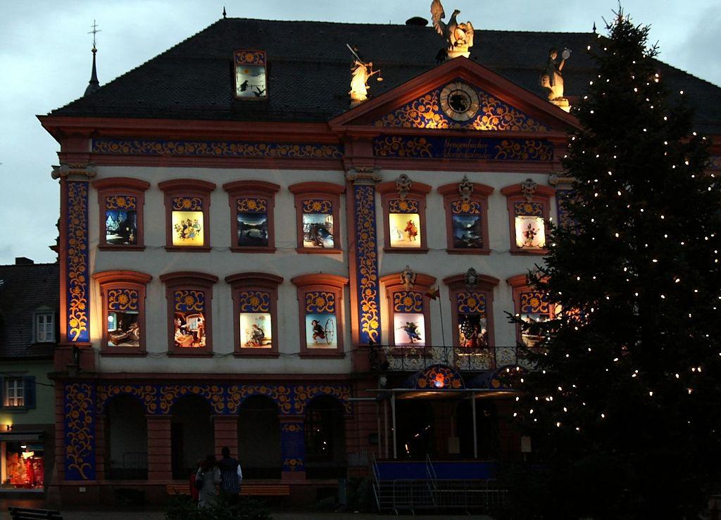 El calendario de Adviento más grande del mundo en Gengenbach - Telar de Libros