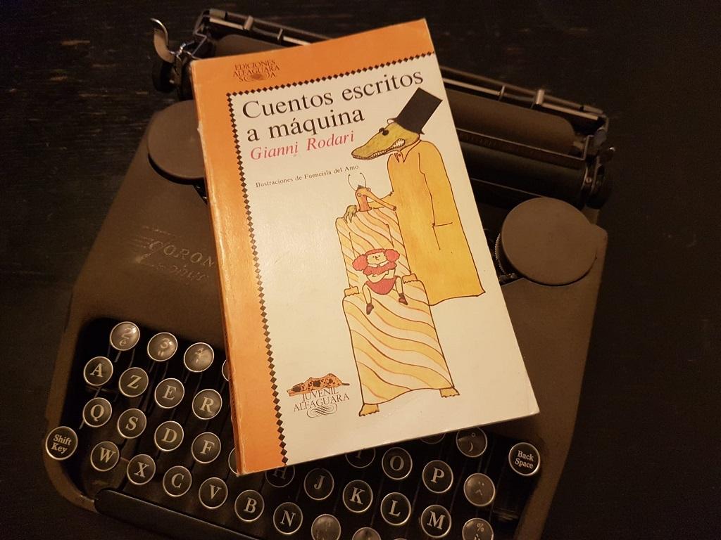 cuentos escritos a maquina_14 libros para regalar (y para rescatar) en la Navidad de 2020_Telar de Libros