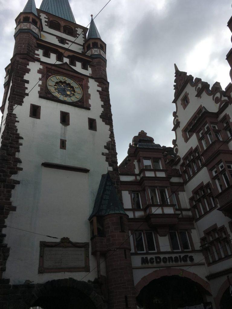 una de las puertas de entrada a Friburgo
